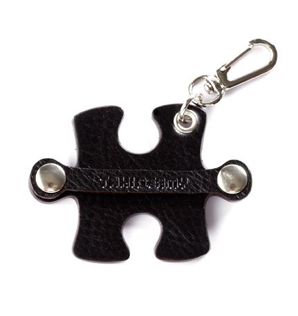 Jigsaw-Single-Black-01:Thumb